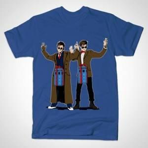 DOC IN A BOX TARDIS LOVERS T-Shirt