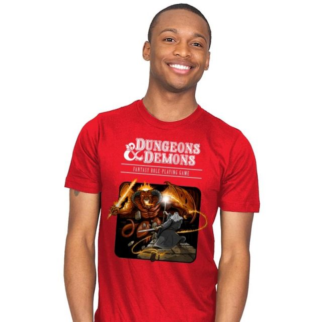 DUNGEONS & DWARVES T-Shirt