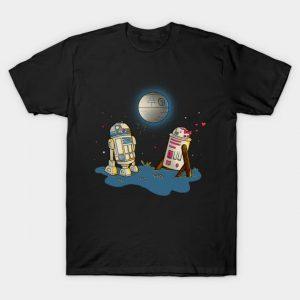 UNUSUAL ROMANCE T-Shirt